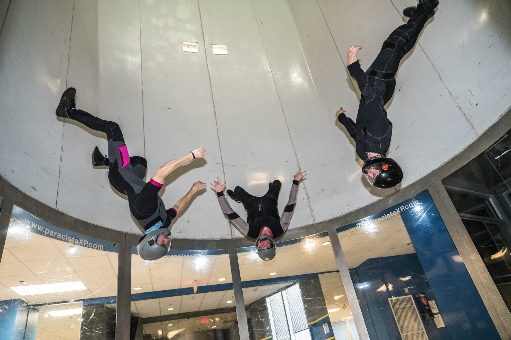 top 3 reasons to go indoor skydiving with friends